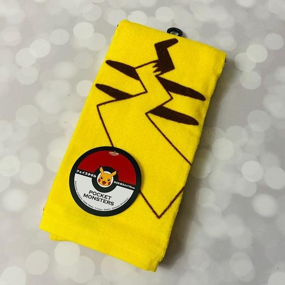 BNWT Pikachu Pokémon Face Towel